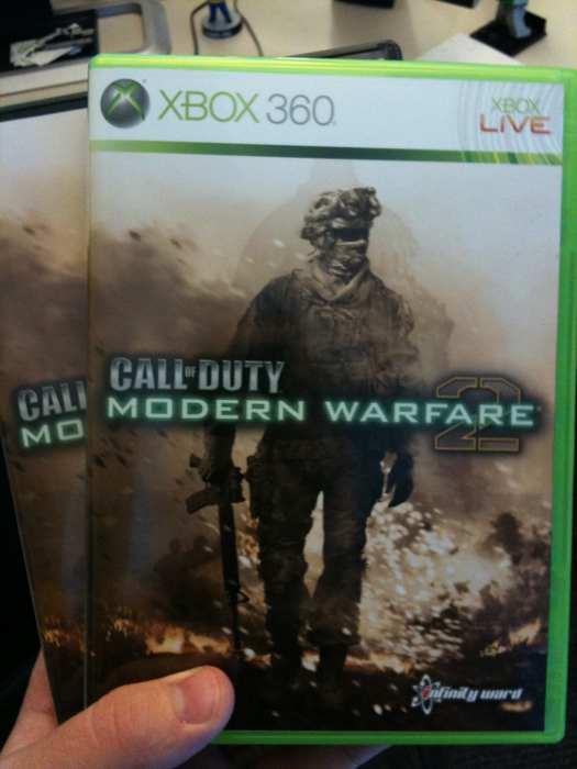 Após confirmar e negar o nome Call of Duty junto com Modern Warfare 2, a  capa do jogo foi revelada com o nome. Esperamos que agora seja definitivo. 43a3d4434f